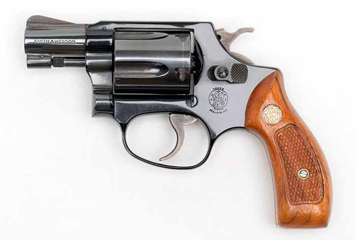 Револьвер S&W .38 Chiefs Special Mod. 37 Airweight
